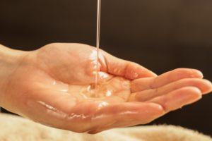 保湿対策に美容オイル